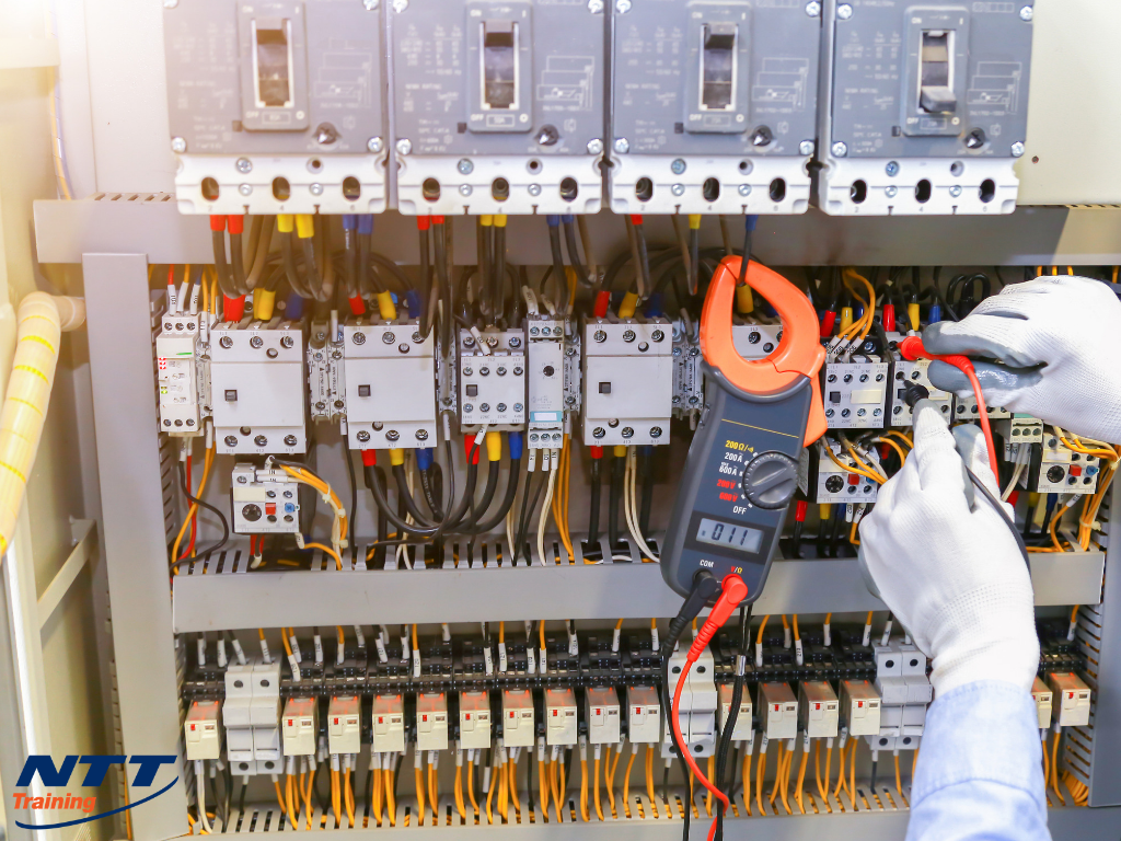 Arc Flash Electrical Safety Training: Could a Remote Class Help My Facility?